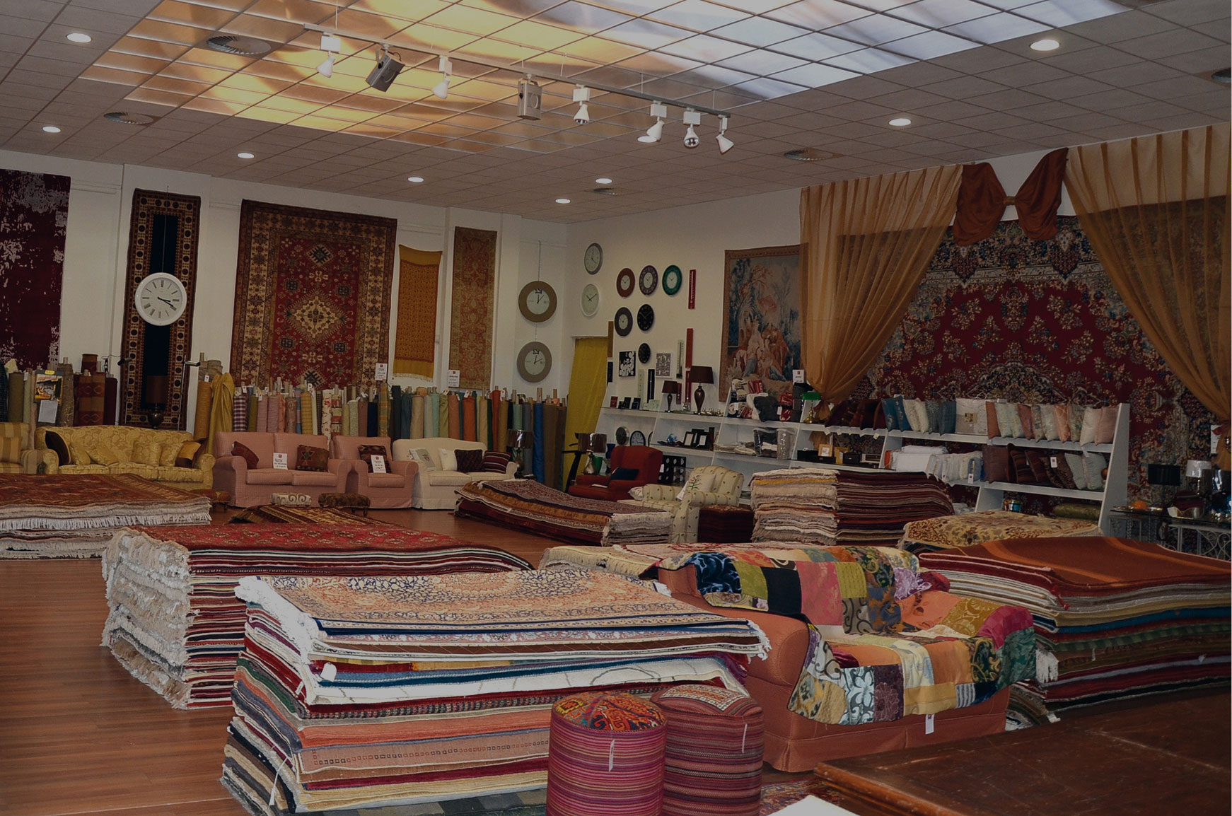 Negozi divani milano background with negozi divani milano for Negozi mobili milano